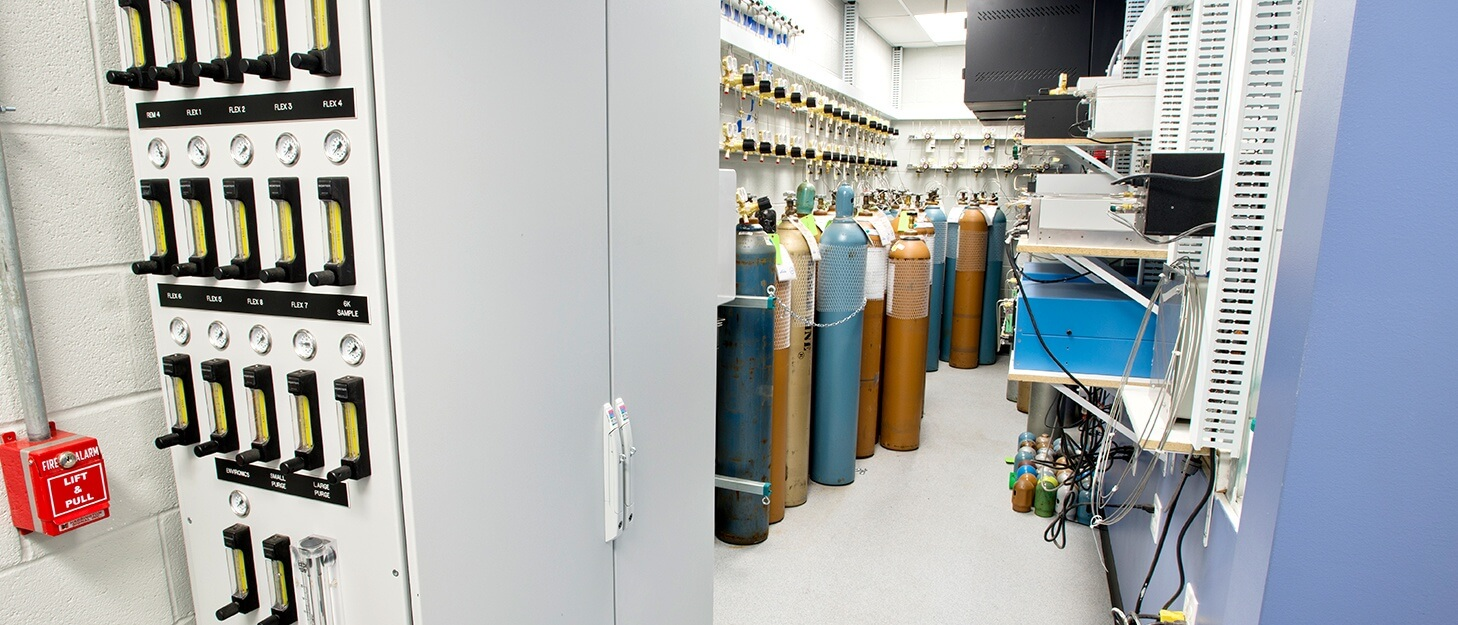 Weldcoa installed automated gas sampling station at Linde's new specialty gas facility