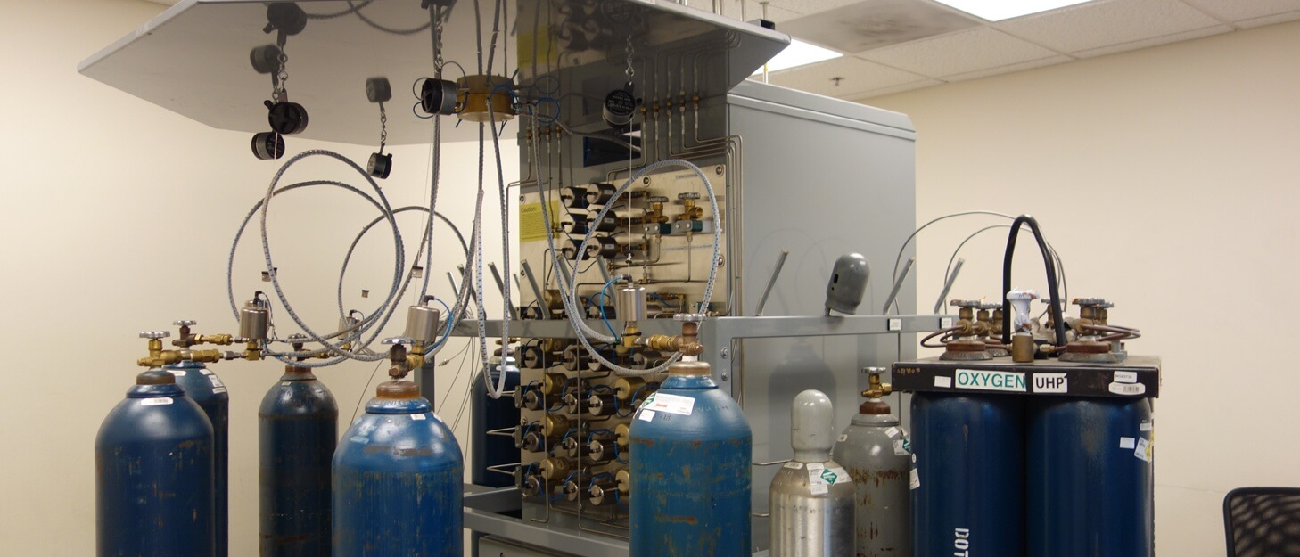 gas cylinder fill system filling various cylinders